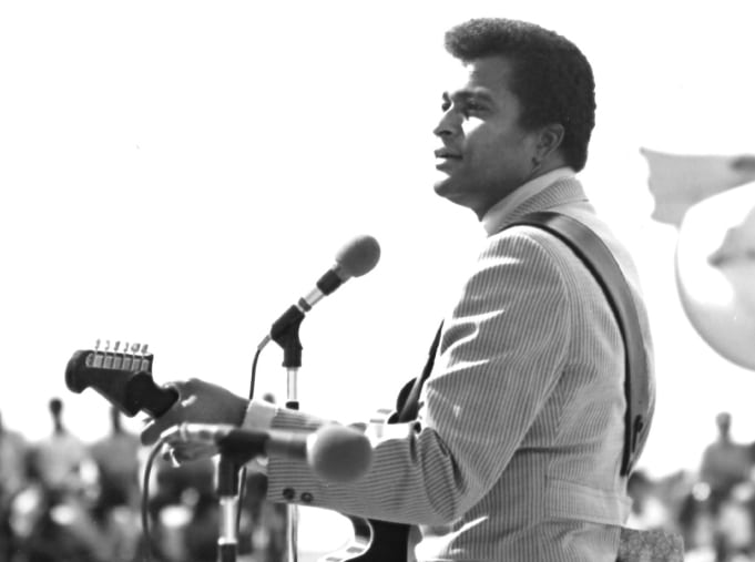Country Tv Show Season 3 Episode 19 Charley Pride